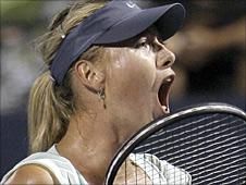 Maria Sharapova beats Agnieszka Radwanska