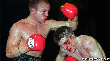 Jon Thaxton and Ricky Hatton meet in their epic 12 round clash in 2000