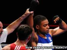 Fred Evans (left) loses a high-quality encounter against Errol Spence