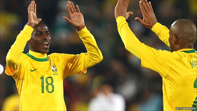 Ramires (left) celebrates with Maicon during the 2010 World Cup