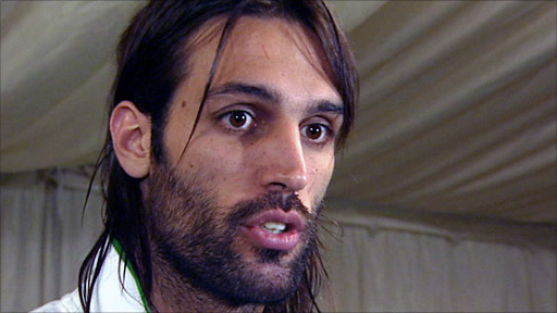 The 33-year old son of father Ioannis Samaras and mother(?), 193 cm tall Georgios Samaras in 2018 photo