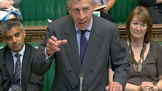 Jack Straw (centre) in the House of Commons