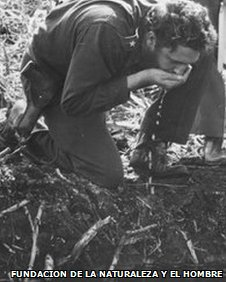 Fidel Castro drinking