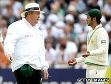 Salman Butt argues with Marais Erasmus