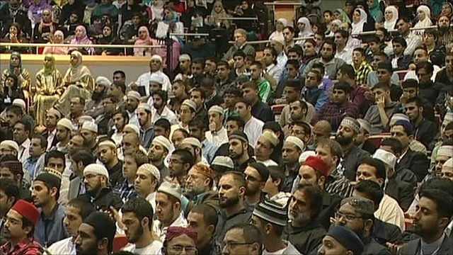 Young Muslims attend anti-extremism conference in Warwickshire