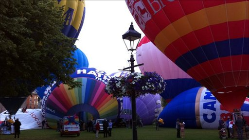Balloons at College Green