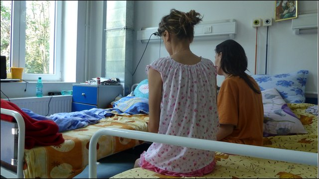 Nicoletta and Amalia, Romanian TB sufferers