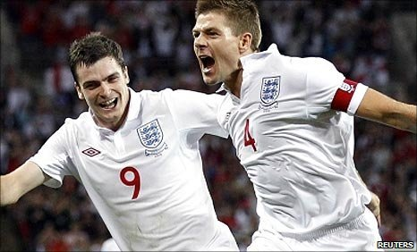 Steven Gerrard celebrates scoring for England