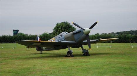 Replica spitfire. Picture courtesy of Bonhams