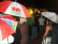 Crowds in the rain at Big Brother Glyn Wise's results party