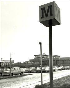 Four Lane Ends Metro station, December 1980