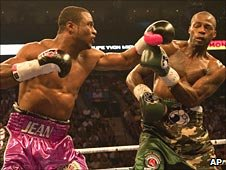 Jean Pascal finds a way through Chad Dawson's defence