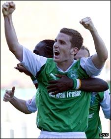 Paul Hanlon celebrates his goal