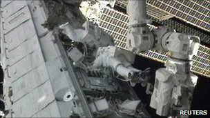 Doug Wheelock and Tracy Caldwell Dyson on the third spacewalk 16 Aug 2010