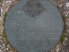 Commemorative plaque to Charles Rolls