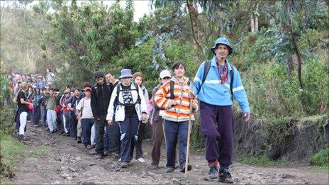Fabian Zurita leading a group of youngsters down Imbabura mountain