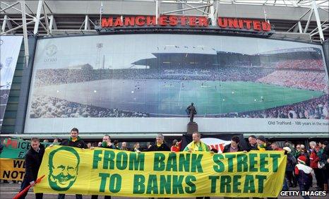 Anti-Glazer banners