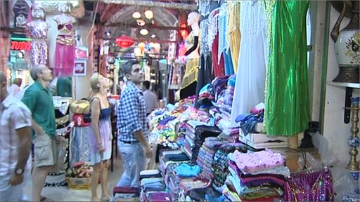 Tourists in Grand Bazaar