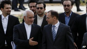 Iranian Vice President Gholamreza Aghazadeh, centre left, head of Iran&#039;s Atomic Energy Organization and Russian Atomic Agency Chief Sergei Kiriyenko, centre right