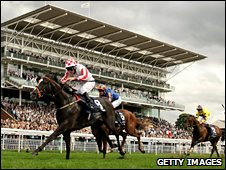 Sole Power sprints to victory at York