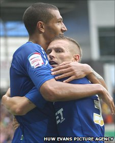 Cardiff strikers Jay Bothroyd and Craig Bellamy bond over goals