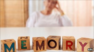 Болезнь Альцгеймера может передаваться через контакт с кровью?