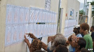 Voters checking voting lists in Honiara, Solomon islands 4 August 2010