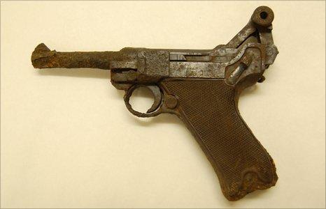 German Luger gun