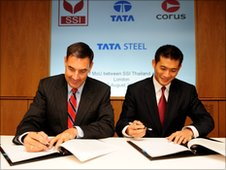 Corus CEO Kirby Adams and SSI President Win Viriyaprapaikit sign MoU
