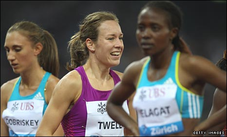 Steph Twell (centre) is delighted with her run in Brussels
