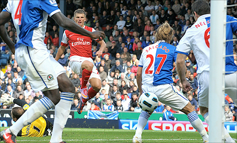 Andrey Arshavin scores Arsenal's winner at Blackburn