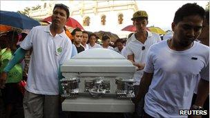 Coffin of Rolando Mendoza - Tanuan, 28 August 2010