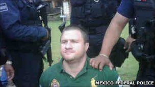 Edgar Valdez under arrest, 30 August 2010