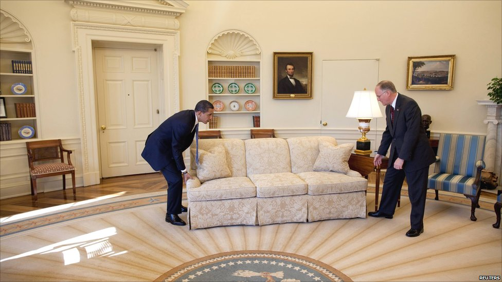 Bbc News In Pictures Oval Office Redecoration