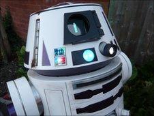 R6 droid model