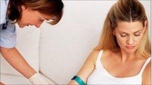An ante-natal examination. Pic: Ian Hooton, SPL