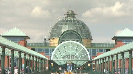 Exterior of Meadowhall shopping centre