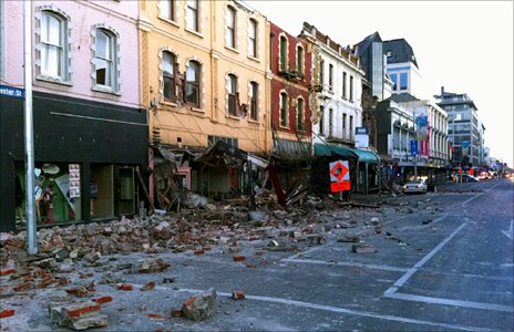 Aftermath of the earthquake in central Christchurch (4 September 2010) (Photo: Graham Maclean)