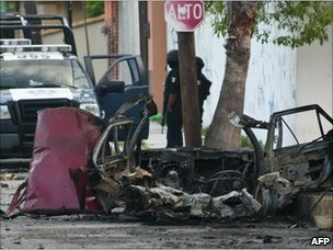 A burned car in Ciudad Victoria, Tamaulipas state, Mexico, on 27 August, 2010