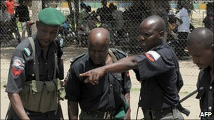 Nigeria police officers in Maiduguri (July 2009)