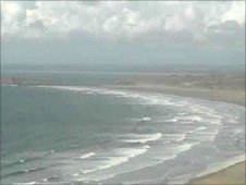 Rhossili Bay webcam - courtesy of the Worm's Head Hotel