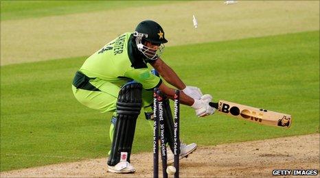 BBC Sport - Cricket - England complete 2-0 Twenty20 series