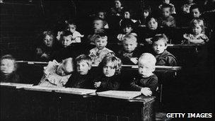 Victorian schoolchildren in a classroom
