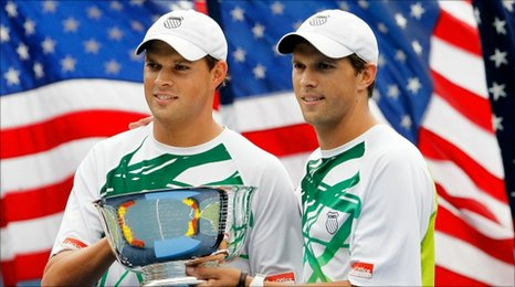49063376 010151434 1 - Bob and Mike Bryan win US Open men's doubles title