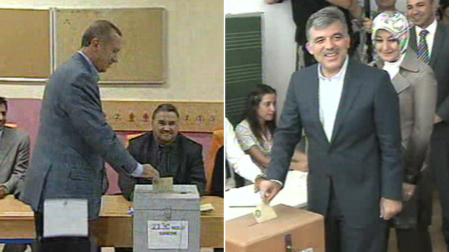 Prime Minister Tayyip Erdogan (left) and Turkish President Abdullah Gul casting their vote