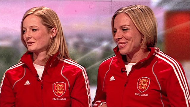 England hockey players Helen Richardson(l) and Kate Walsh(r)