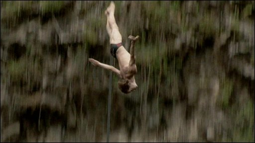 Cliff diver Gary Hunt in action