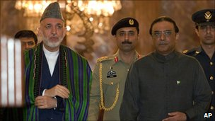 Afghan President Hamid Karzai (left) and his Pakistani counterpart Asif Ali Zardari in Islamabad
