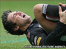 Gavin Henson is injured in March, 2009