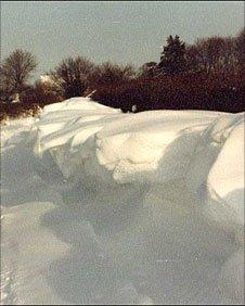 Heavy snow in Kington Langley in 1982